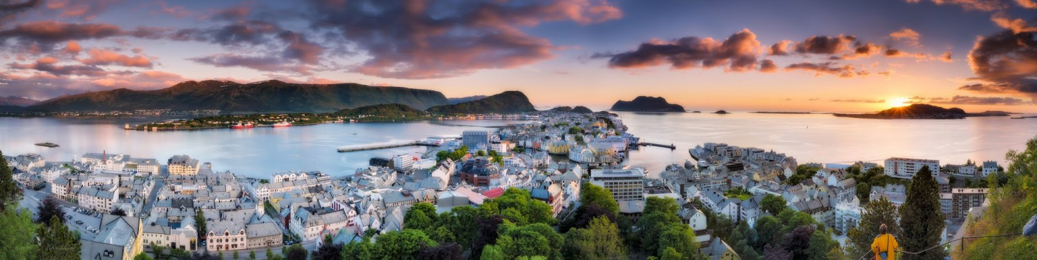 Aksla Viewpoint - Ålesund - (c) Gerard Blacklock